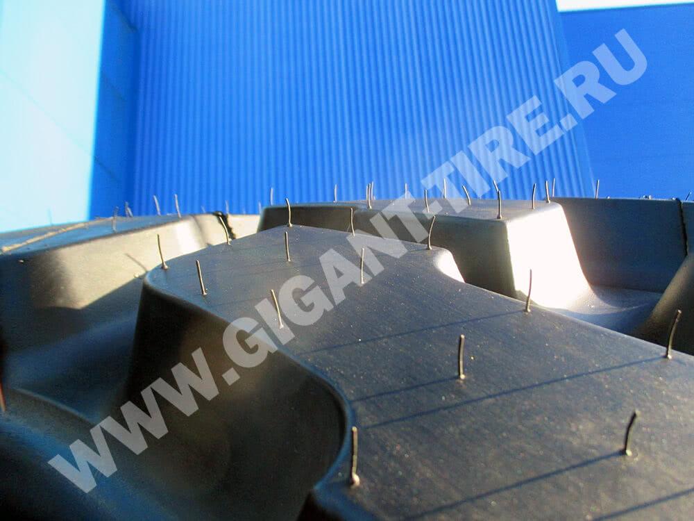 Резиновые усики на новых шинах Goodyear 775/65 R29 GP-4D