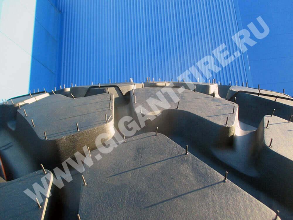 Резиновые усики на новых шинах Michelin 775/65 R29 XAD 65-1 E3T