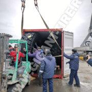 Бережная перегрузка шин 27.00R49 Michelin XDR2 во Владивостоке (февраль 2019)